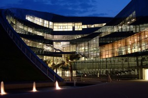 NTU-ADMSunken_plaza_at_night